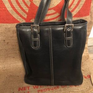 Handbags - Brand New Faux Leather purse